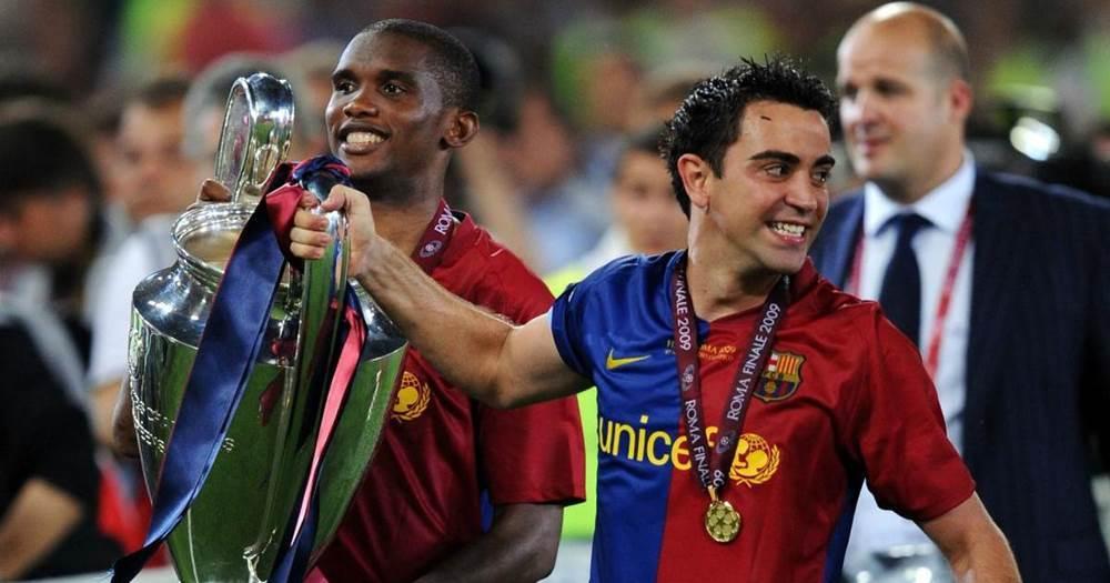 "Eto'o menace de ""tuer"" Xavi s'il ne prend pas le relais au Barca"