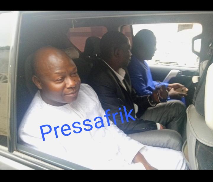 """Présumé trafic de faux billets : """"Personne n'a placé Bougazelli sous mandat de dépôt"""", selon Me Elhadji Diouf"""