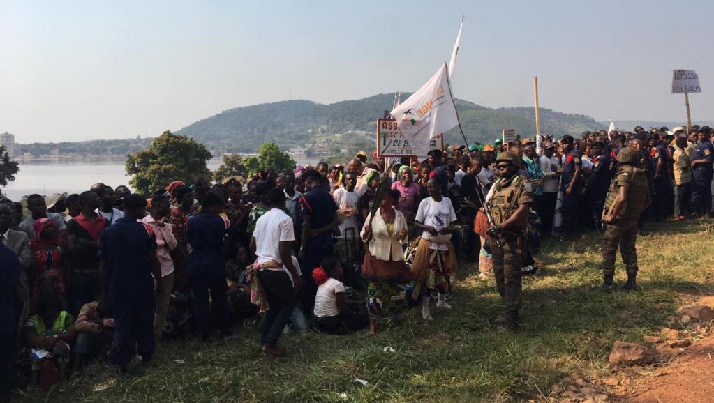RDC: le président Tshisekedi à la rencontre des victimes des inondations à Zongo
