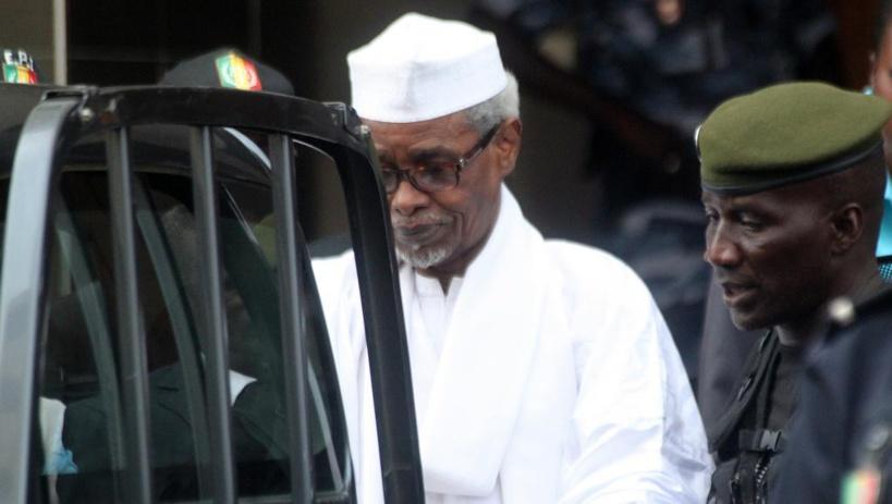 """Les proches de Habré scandalisés: """"cela fait 15 jours qu'il est fracturé et dans sa cellule sans soins"""""""