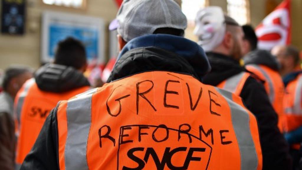 France: les cheminots défendent et expliquent leur régime spécial de retraite