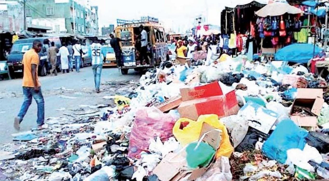 """Désencombrement Dakar: l'opération  """"zéro déchet"""" déjà dans la poubelle"""
