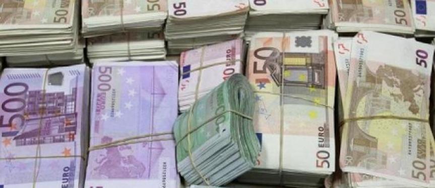 Deux agents du ministère des Affaires étrangères arrêtés à Paris avec 100 000 euros en liquide