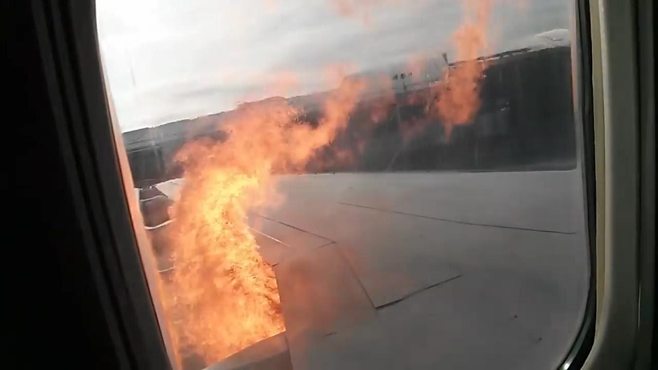 Ziguinchor : l'aile d'un avion prend feu et plonge les passagers dans la panique