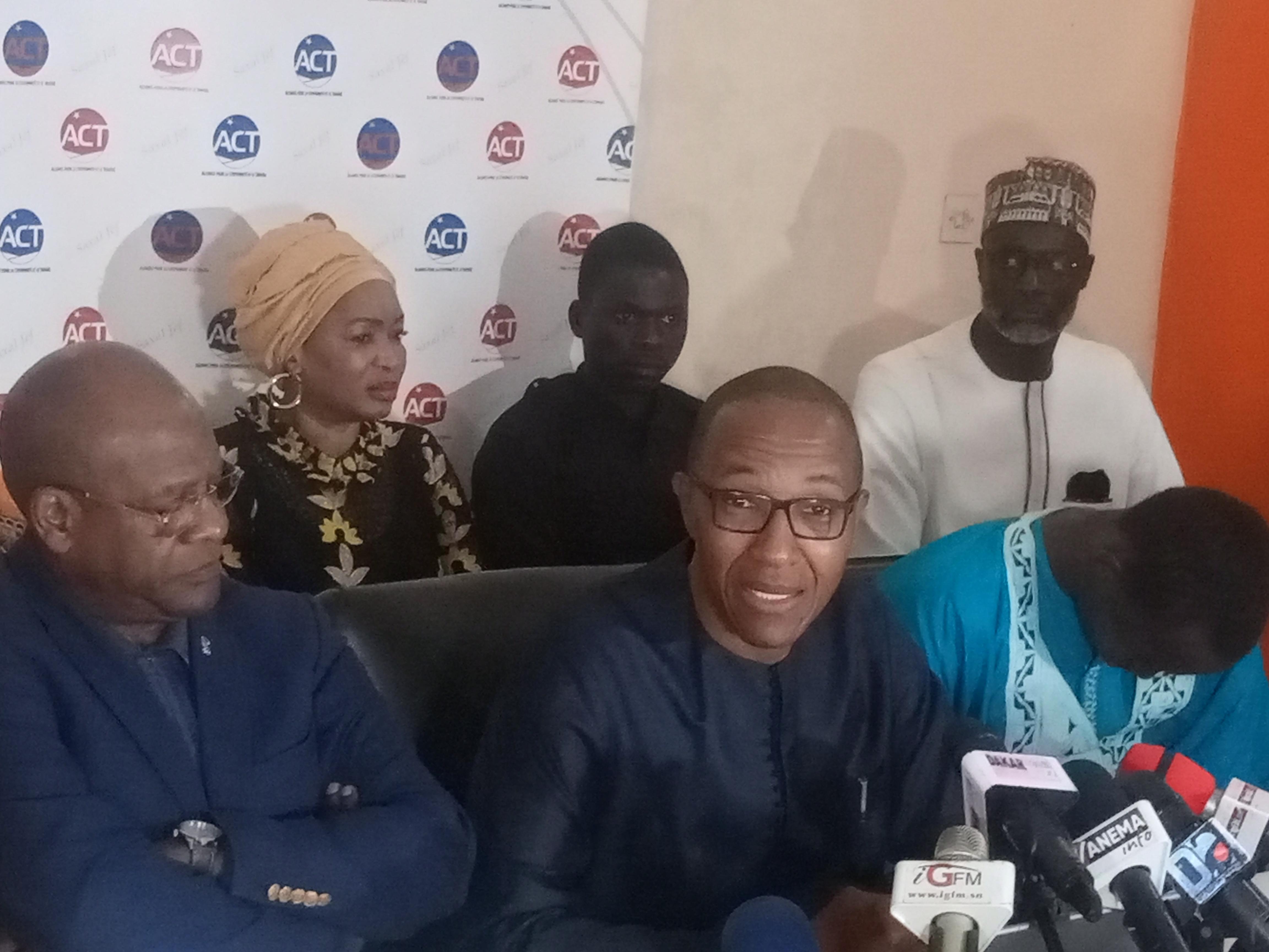 Abdoul Mbaye avertit et explique pourquoi les Sénégalais vont encore souffrir pendant des années