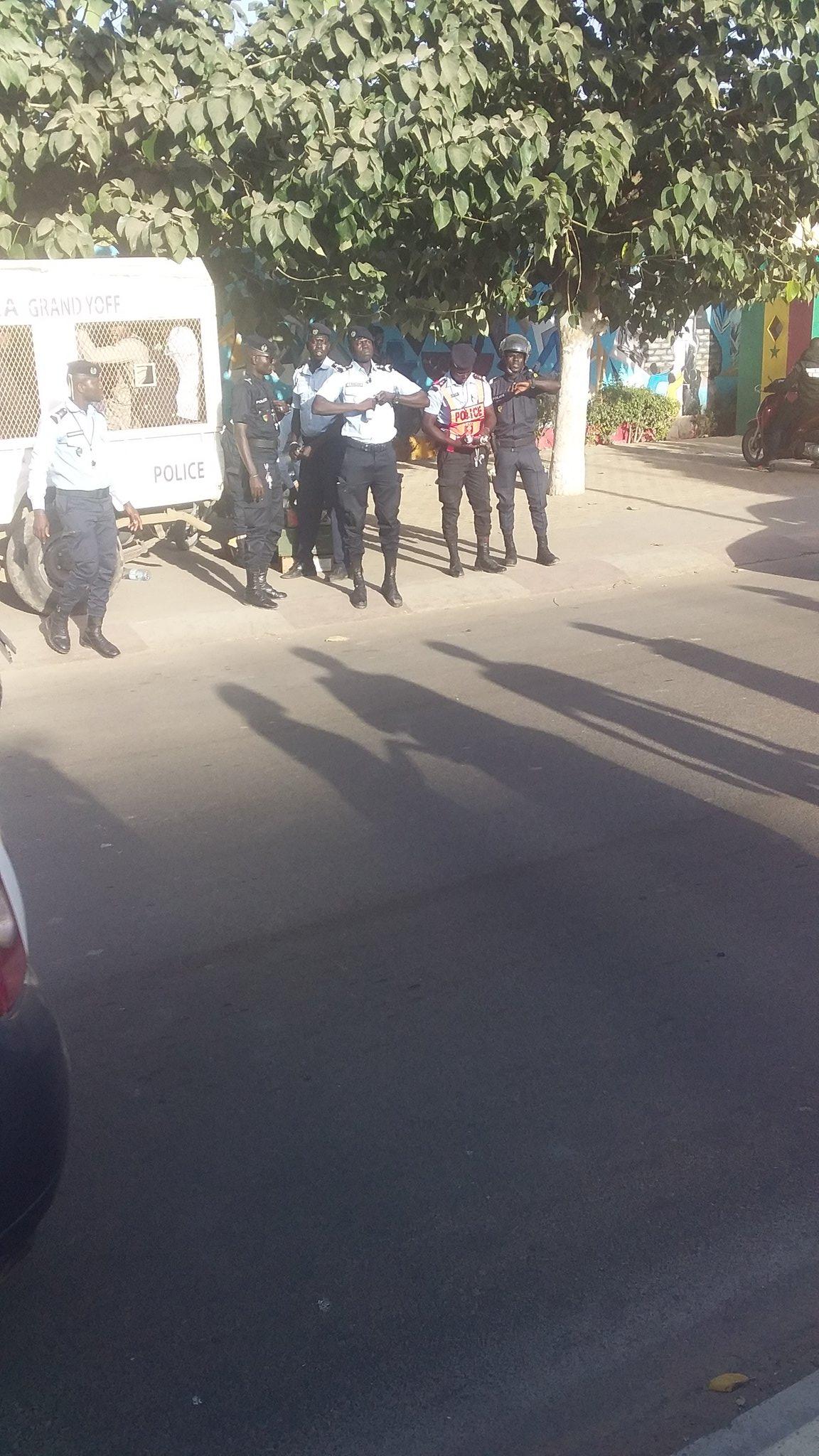 URGENT - Des manifestants arrêtés devant la prison du Camp pénal pour avoir réclamé la libération de Guy Marius Sagna