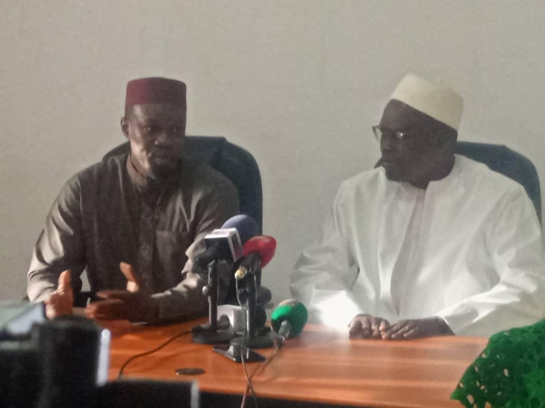 Devant Khalifa Sall, Sonko appelle ses militants sur les RS à arrêter les querelles de positionnement entre opposants