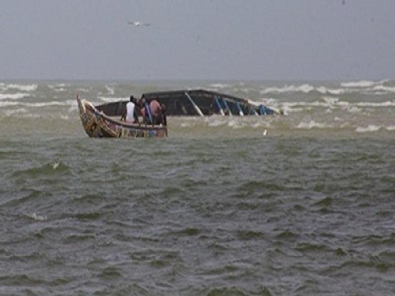 Chavirement d'une pirogue à Saint-Louis : 2 pêcheurs portés disparus et 3 autres sauvés