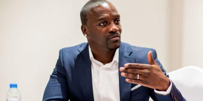Akon sera reçu ce mardi par le ministre sénégalais du Tourisme