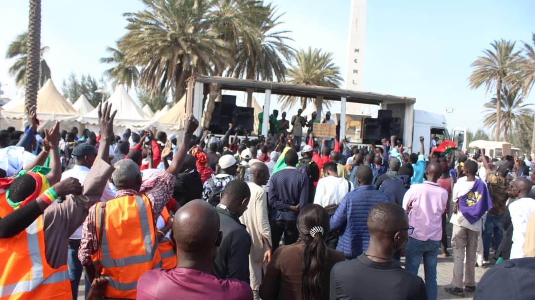 Les premières images de la marche de #ÑooLank ce vendredi à Dakar