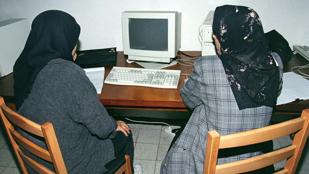 Algérie: en 2019, les blocages d'Internet ont coûté très cher à l'économie