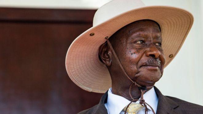 Comment les pommes de terre et le manioc ont aidé l'Ougandais Museveni à perdre 30 kg