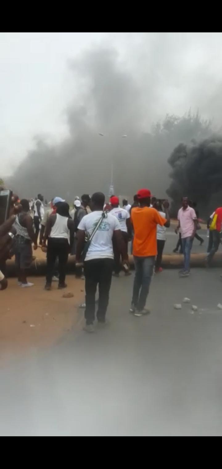 Gambie: de violents affrontement entre populations et forces de l'ordre font plusieurs blessés