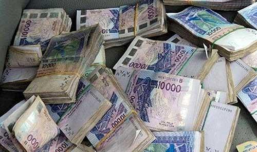 Scandale financier dans une banque: l'épouse d'un célèbre musicien pompe les comptes de deux chefs d'agence