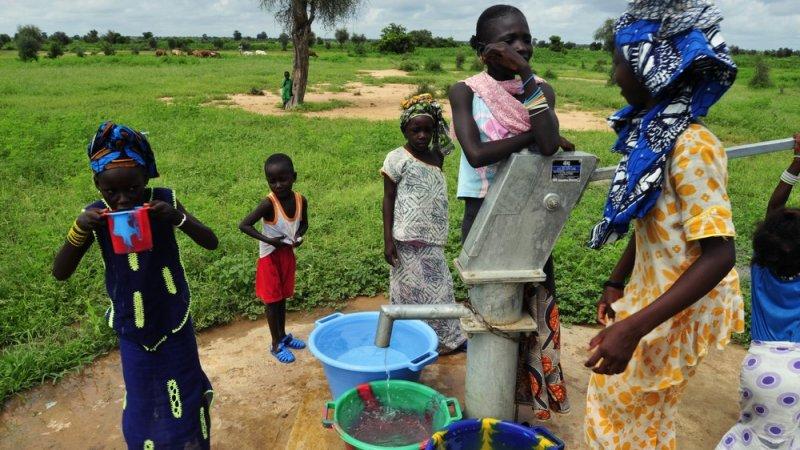 Cour des Comptes sur l'OFOR: Pourquoi l'eau est plus chère dans les zones rurales qu'en milieu urbain