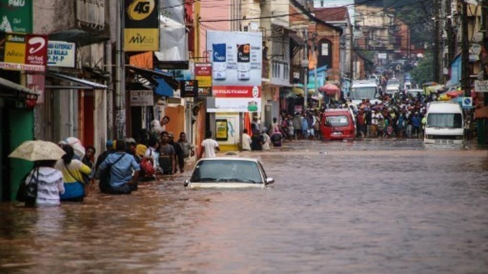 Madagascar: l'annulation des mesures en faveur des élèves sinistrés interroge