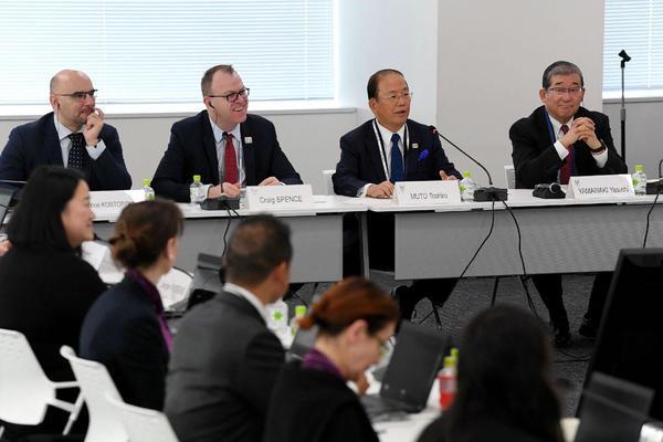 Toshiro Muto, patron du comité d'organisation des Jeux de Tokyo 2020, se veut rassurant quant à leu tenue. STR / AFP