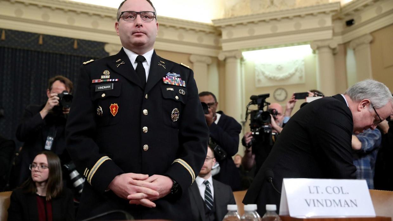 Le lieutenant-colonel Vindman et l'ambassadeur Sondland licenciés après avoir témoigné contre Trump