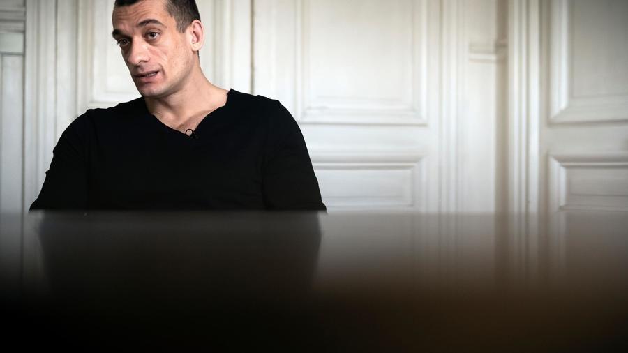 Après la plainte de Griveaux, Piotr Pavlenski et sa compagne placés en garde à vue