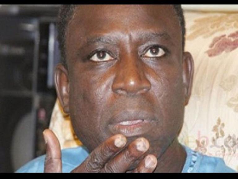 Affaire de faux billets: le procès du chanteur Thione Seck renvoyé au 23 mars prochain