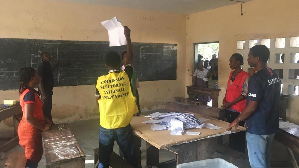Présidentielle au Togo: quelques incidents signalés, le dépouillement est en cours