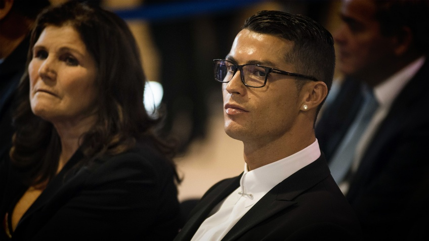 Sa mère hospitalisée en urgence après un AVC, Cristiano Ronaldo inquiet