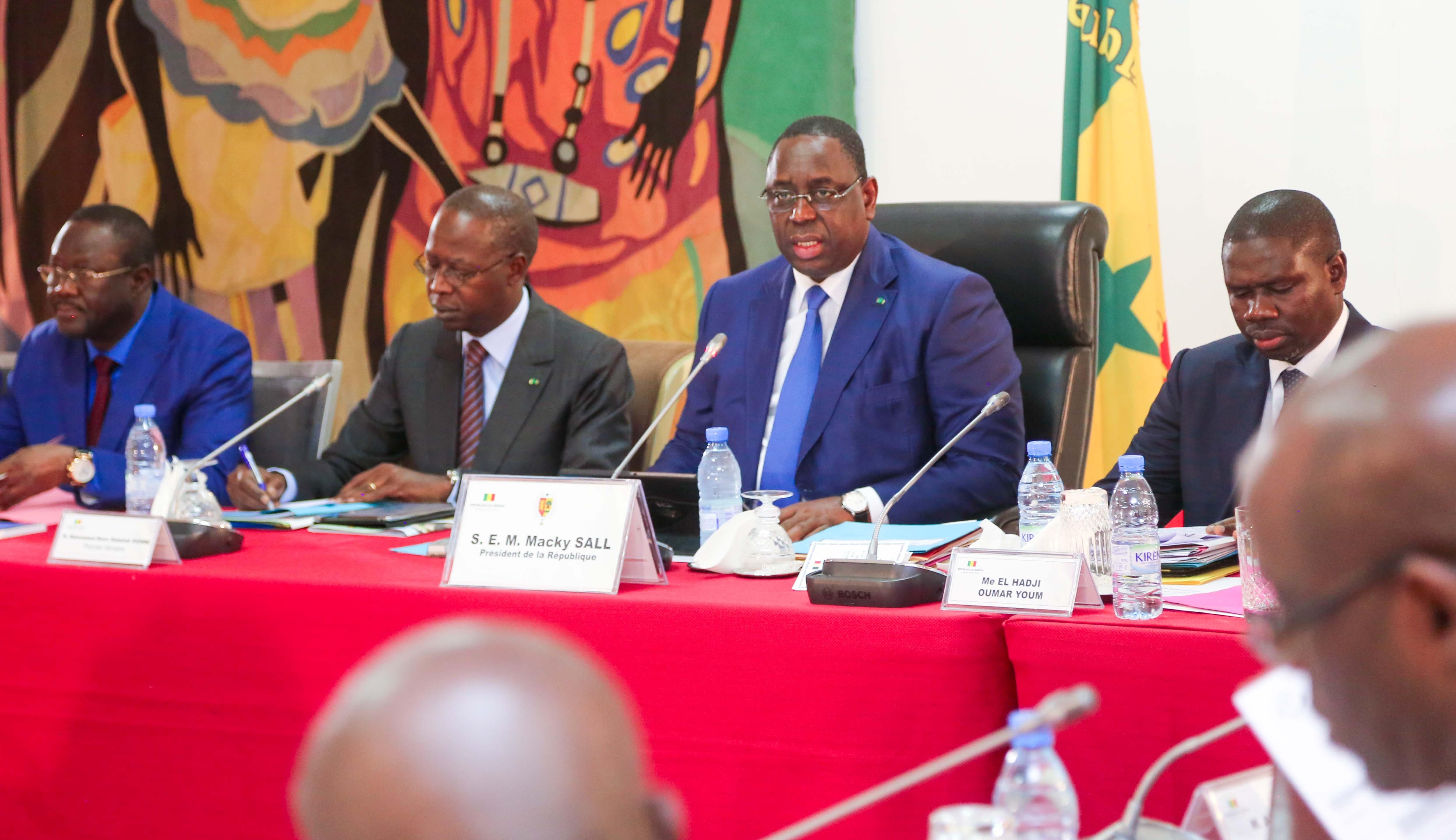 Risques de contamination #Coranavirus -  Deux ministres écartés du Conseil des ministres de ce mercredi