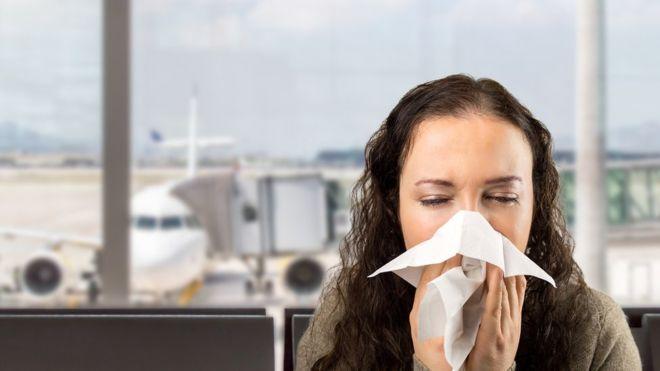 """Les symptômes du coronavirus """"mettent cinq jours pour apparaître"""""""