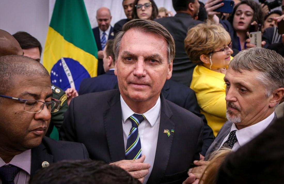 Le président brésilien testé positif au coronavirus, quelques jours après sa rencontre avec Trump