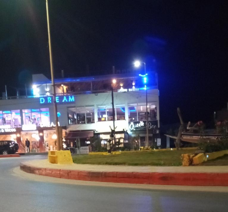 Lutte contre le Coronavirus: la police effectue une descente nocturne aux Almadies et ferme des restaurants