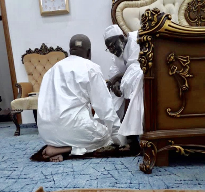 Boun Abdallah Dionne ne s'est pas rendu à la grande mosquée de Touba ce vendredi que pour prier...