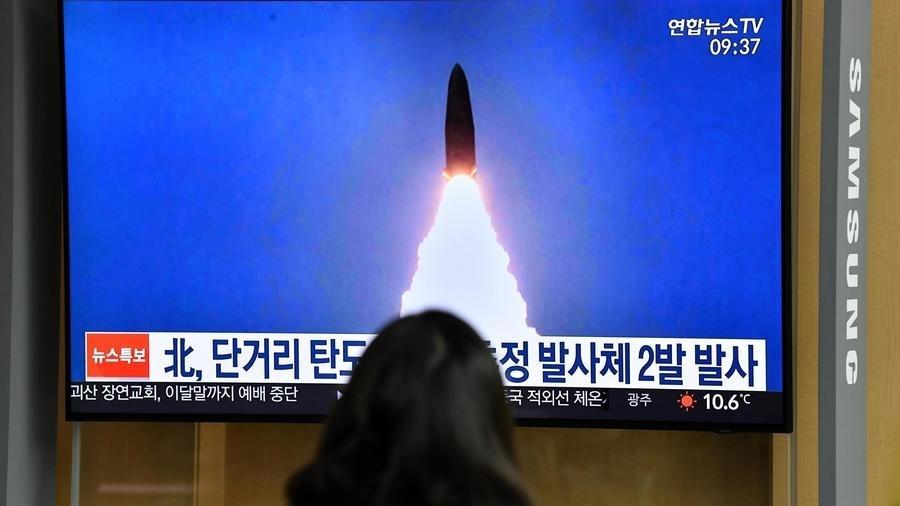 En pleine crise de coronavirus, La Corée du Nord tire deux missiles de courte portée