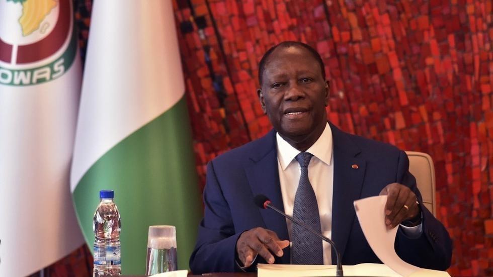 Côte d'Ivoire: la stratégie d'Alassane Ouattara, «aller vite... façon Macky Sall»