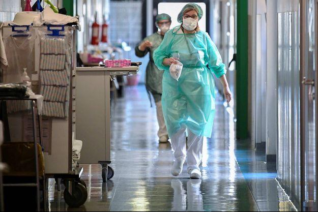 Coronavirus dans le monde: l'hécatombe continue en Italie avec 651 nouveaux morts, Merkel en quarantaine en Allemagne