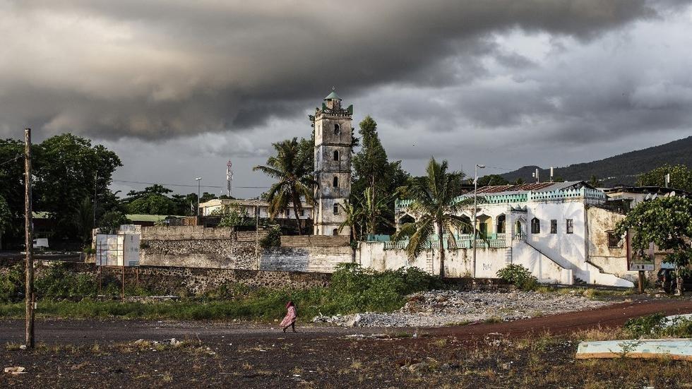 Covid-19 : une cinquantaine de Français résidant à Mayotte bloqués aux Comores