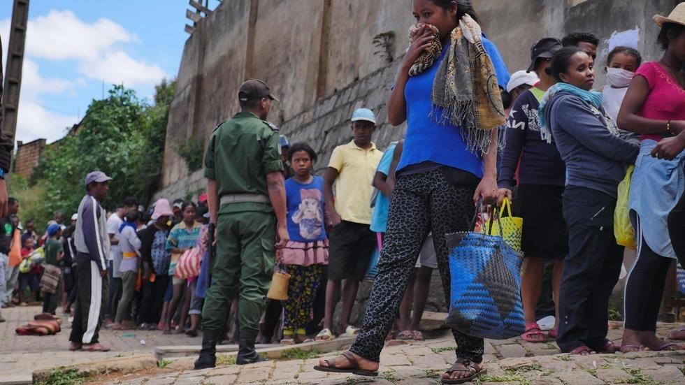 Madagascar: la faim ou le risque de contagion, le dilemme des populations vulnérables