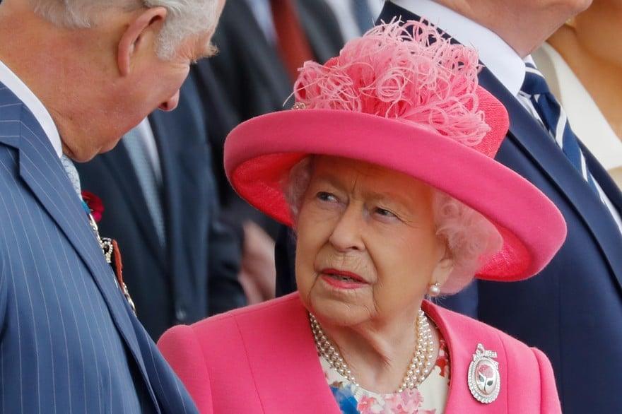 Elizabeth II invoque « l'esprit du Blitz » contre le coronavirus