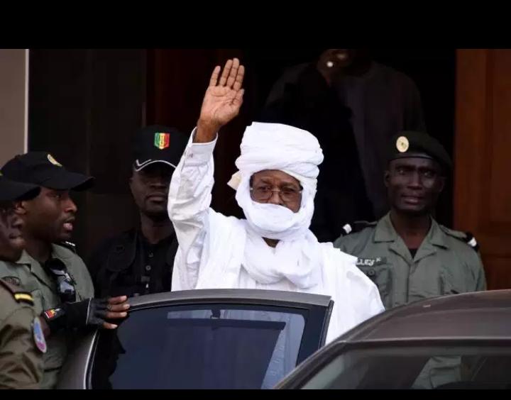 """Sénégal: Hissène Habré libéré pour des """"raisons humanitaires"""" (épouse)"""