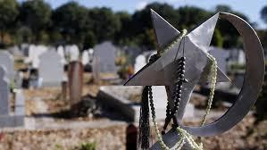 En France, les rites funéraires musulmans et juifs bouleversés par le coronavirus