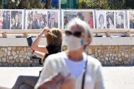 Coronavirus en France : les masques arrivent, comment seront-ils distribués ?