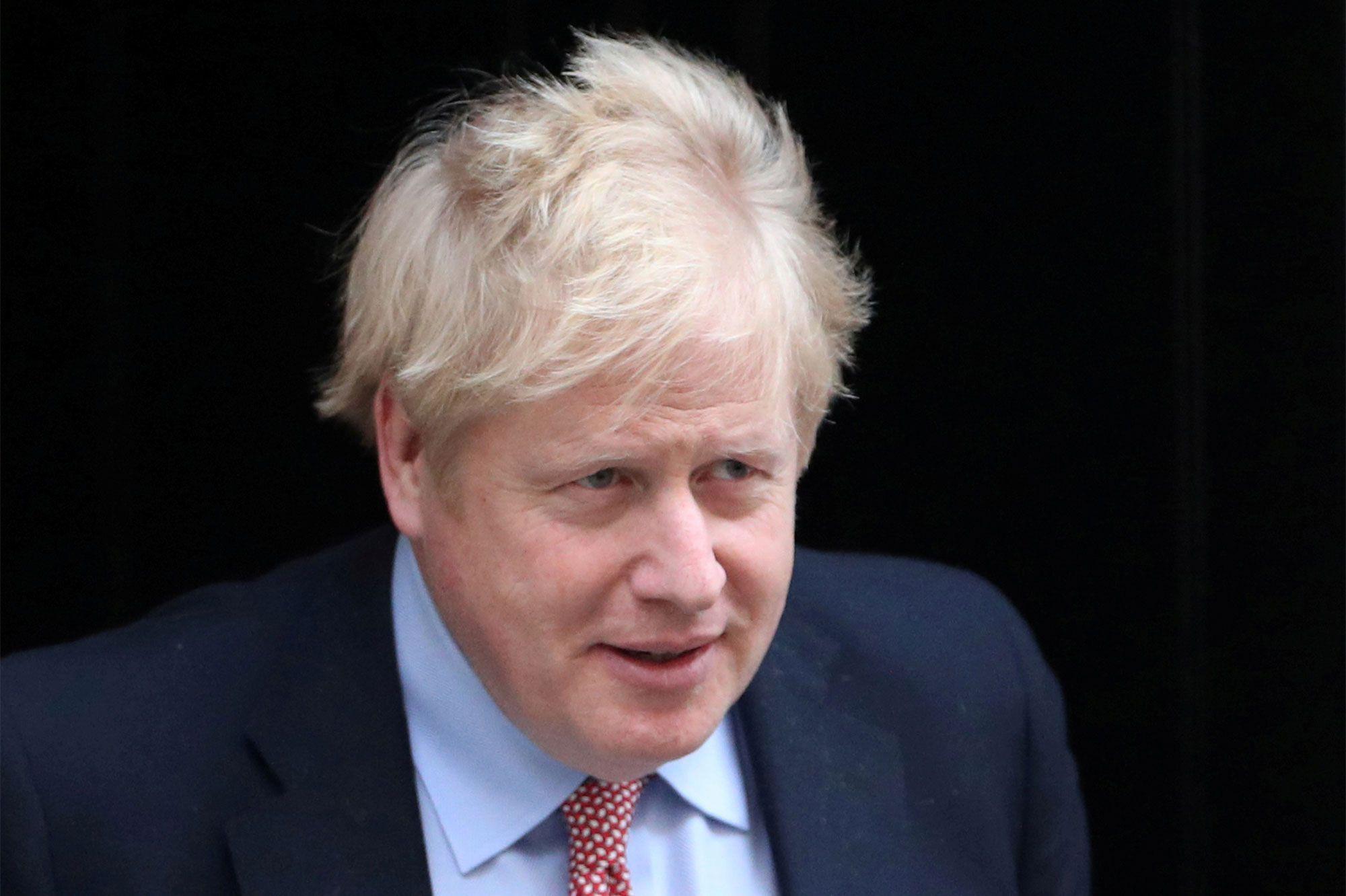 Royaume-Uni : Boris Johnson de retour lundi et attendu sur sa stratégie face au Covid-19