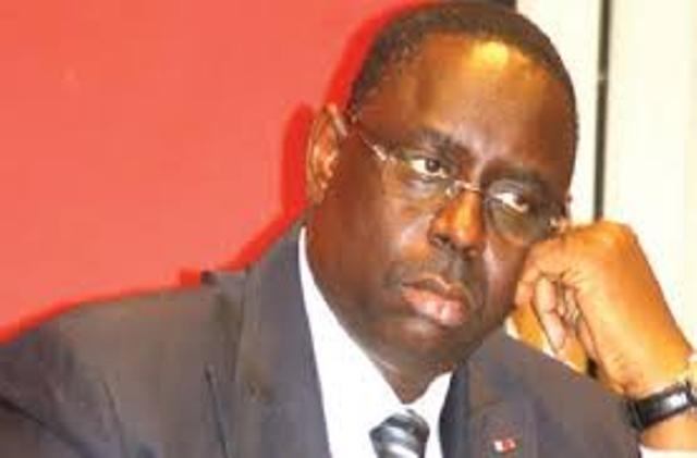 Macky Sall outré par le reprise annoncée en juin des vols Paris-Dakar de Air France, sans son aval