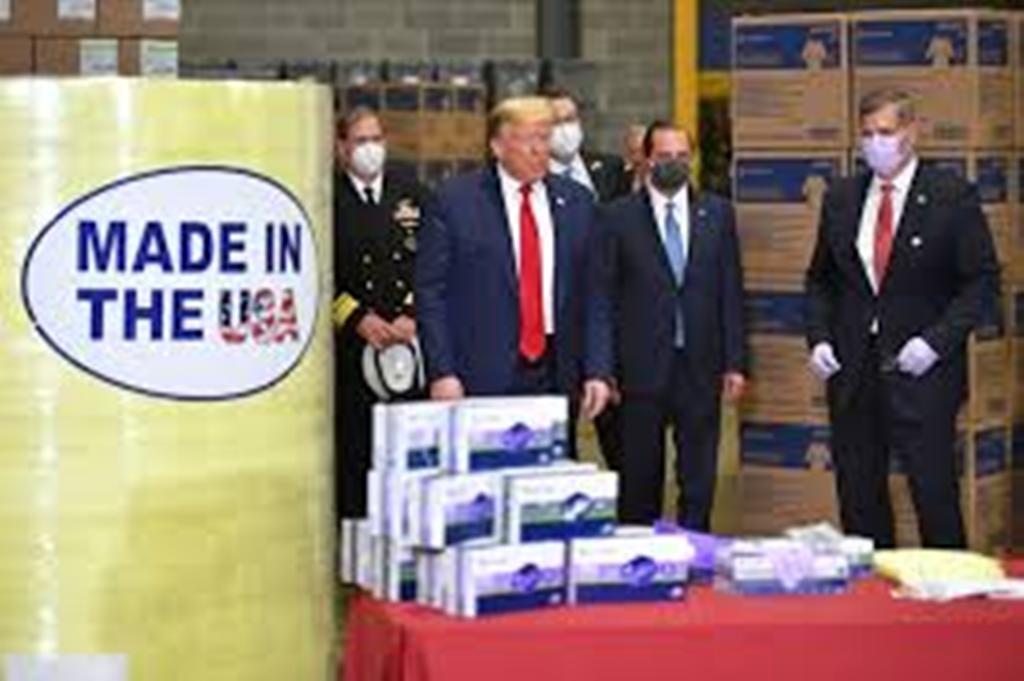 """Présidentielle américaine : pour Donald Trump, le coronavirus est une """"grande arnaque"""""""