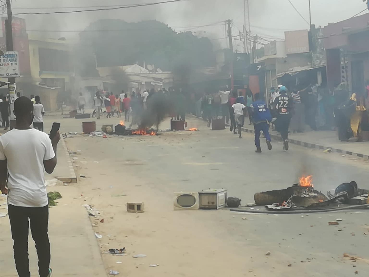 """Violentes manifestations à Cap Skirring: plusieurs personnes blessées par """"balle réelle"""""""
