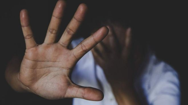 Nigeria : douze hommes arrêtés pour avoir violé une fille de 12 ans