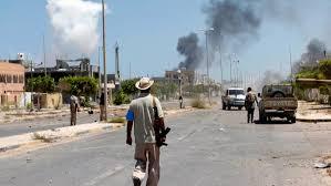 Le bourbier libyen se poursuit à Syrte, malgré les initiatives et demande de trêve