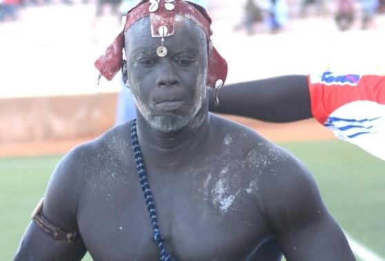 """On a retrouvé le lutteur Paul Maurice au Mali: """"pourquoi j'ai arrêté la lutte..."""""""
