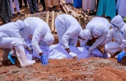 Enterrement d'un Sénégalais décédé de la Covid-19 dans un cimetière dakarois