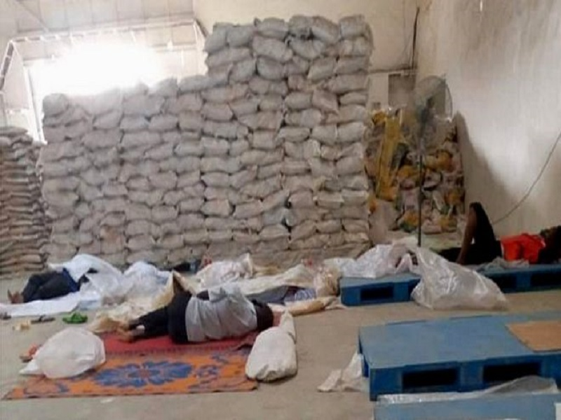 """La police nigériane sauve des travailleurs """"enfermés dans une usine de riz"""""""