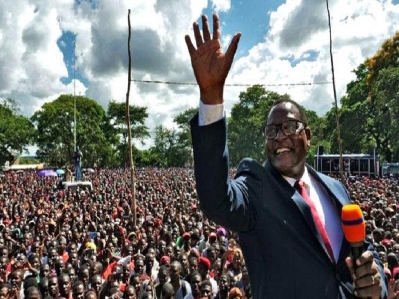 Lazarus Chakwera, élu président du Malawi